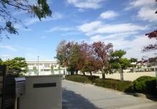 六名小学校 約1000m(徒歩約13分)