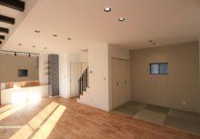 LDK 3帖の畳コーナーがリビングと一体となり、空間利用できてお子様の遊びスペースなど活用できます。