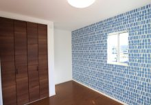 洋室 2階のプライベートルームは、収納を確保しながらも広々使用できる空間です。