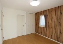 洋室 WCLとCLを併用した寝室で、目的別に収納できるように設計しております。